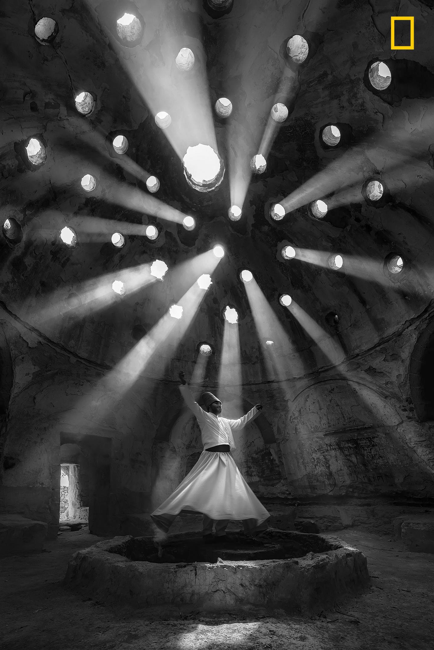 Worship. Fotografía de F. Dilek Uyar, ganadora en la categoría Gente.